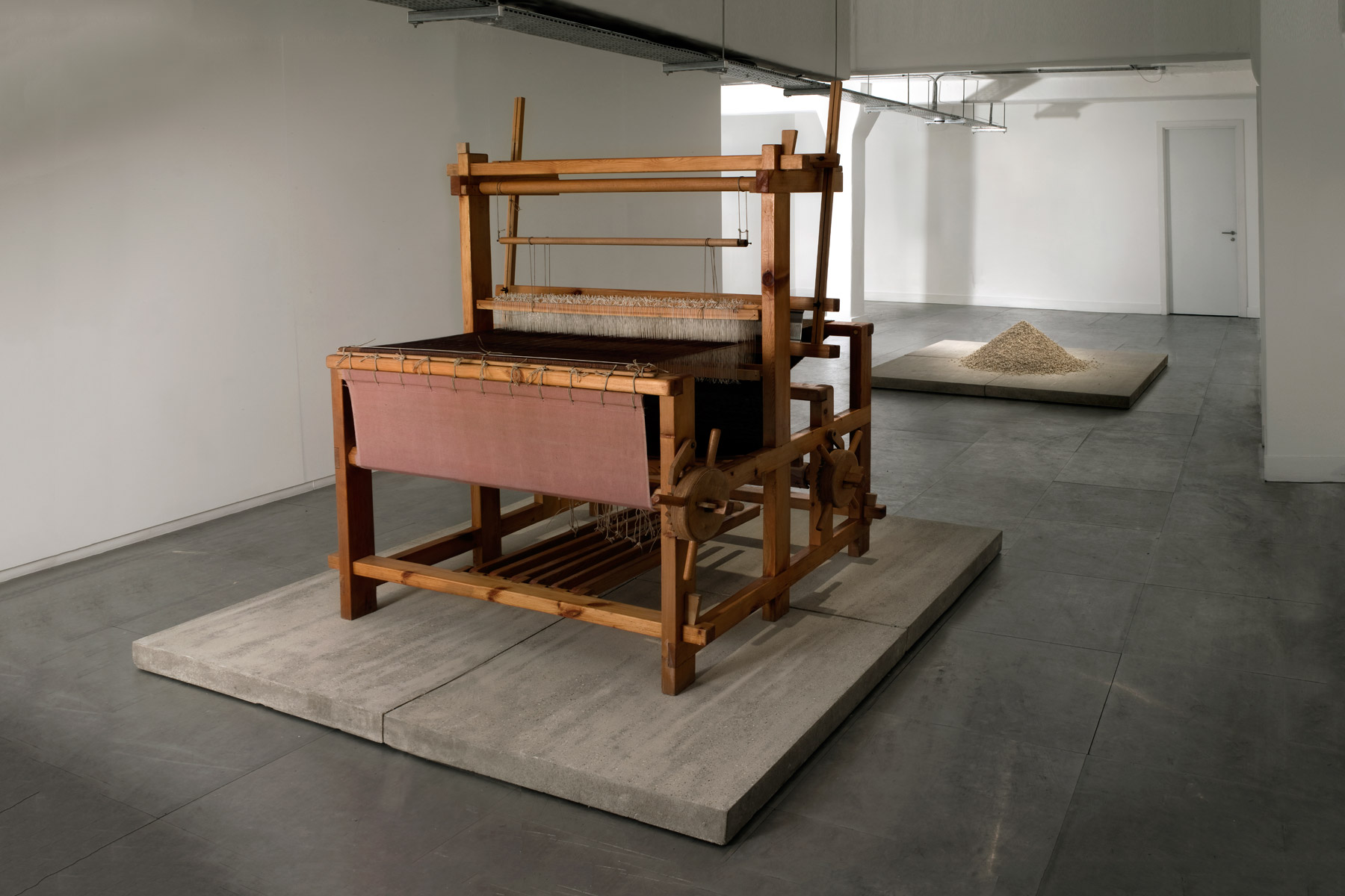 Alastair Mackie|Untitled (+/-)|2009|mouse|fur|fabric|loom|sculpture